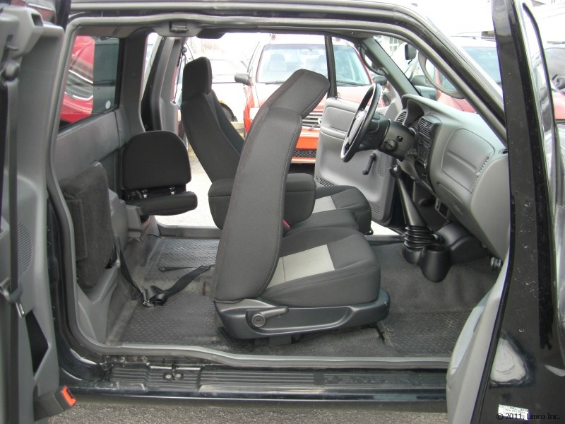 Limco ford ranger sport supercab 2007 for Ford focus 2006 interieur
